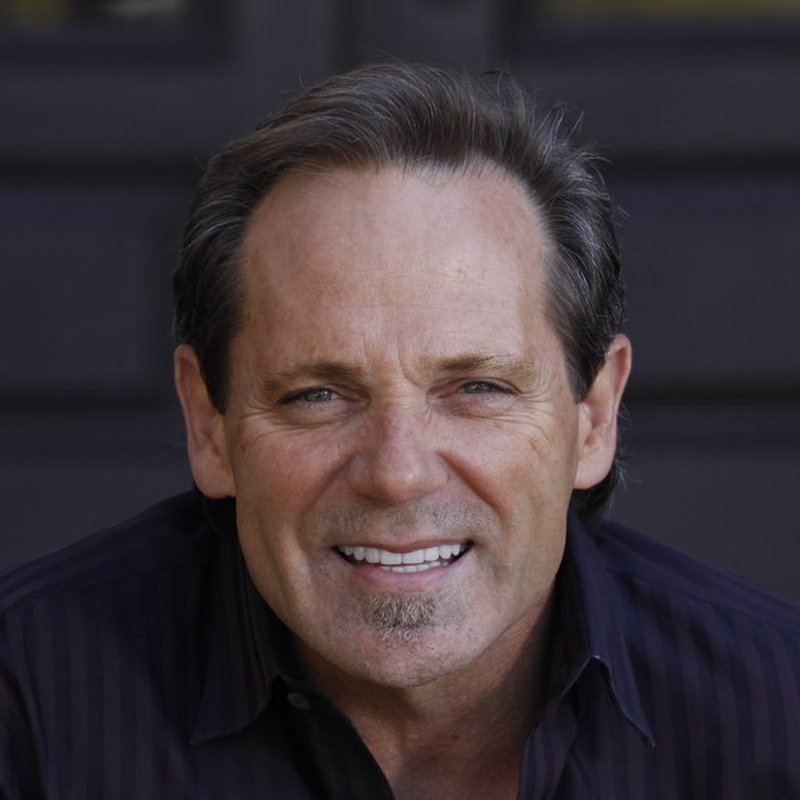 Dr.  Dennis Wells