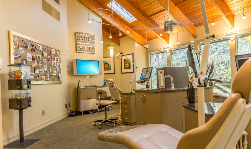 https://d13vnoj51jbatu.cloudfront.net/media/uploaded_files/2018/02/23/HR_SarverOrthodontics_0035-HDR_5fac3e0c974a4e1d9283a8304e17ada7.jpg
