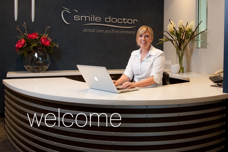 https://d13vnoj51jbatu.cloudfront.net/media/venue_images/2018/07/18/Smile-Doctor-Front-Desk-and-Reception-Image.jpg