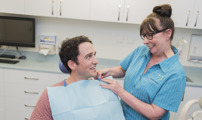 https://d13vnoj51jbatu.cloudfront.net/media/uploaded_files/2018/05/29/family-dentist-in-wagga-wagga_42afb5237a584418b6dac87ac0fb8b93.jpg
